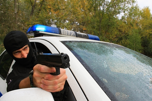 Supremo federal extiende inmunidad a oficial que disparó y mató a sujeto que huía en persecución vehicular
