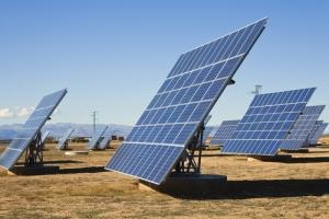 Se convierte en ley medida que impulsa energía solar en Puerto Rico