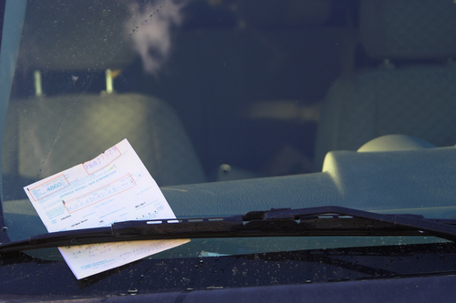 Cómo obtener tu informe de multas y pagar bajo la amnistía de multas de tránsito