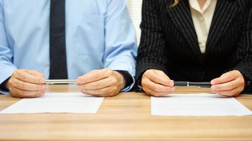 Secretarias legales prefieren trabajar para abogados varones, según estudio