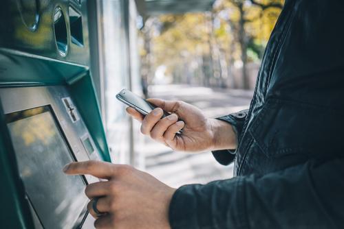 Continúan vistas para reducir costo de uso de ATM's