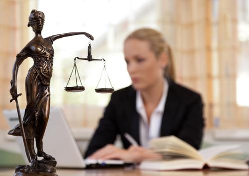El término prescriptivo y su retroactividad ante las quejas y querellas éticas contra abogados en Puerto Rico