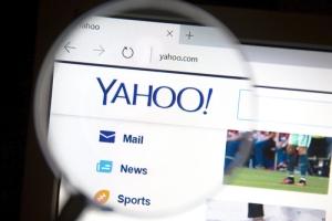 Yahoo proveyó a FBI acceso a correos electrónicos de sus clientes