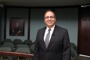 Detrás de la toga: Entrevista al Hon. Rafael L. Martínez Torres