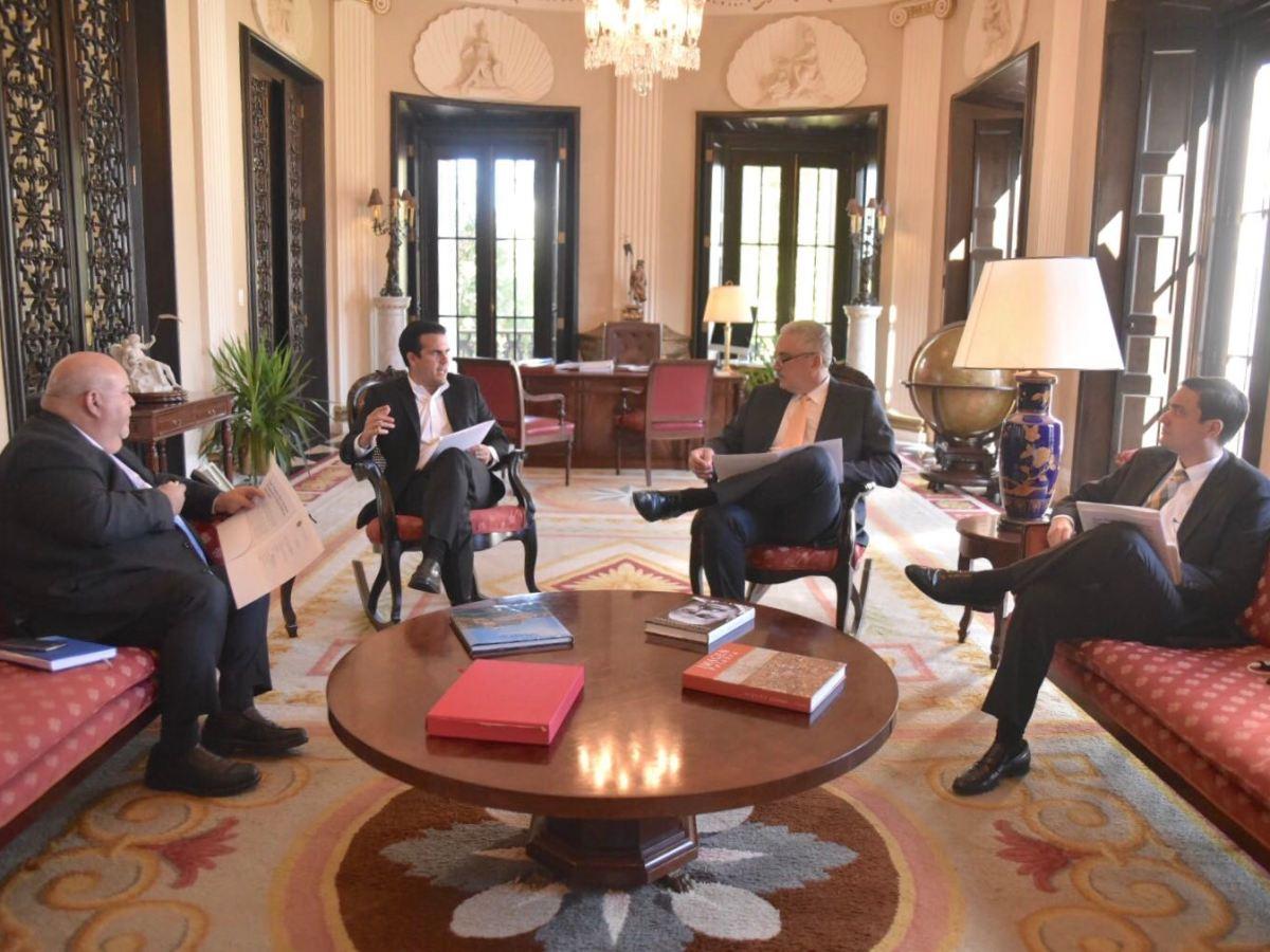 Gobernadors se reúne con líderes legislativos para discutir la agenda legislativa de esta semana