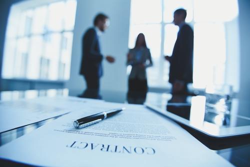 Disponible contratos e información financiera de los miembros de la Junta de Supervisión