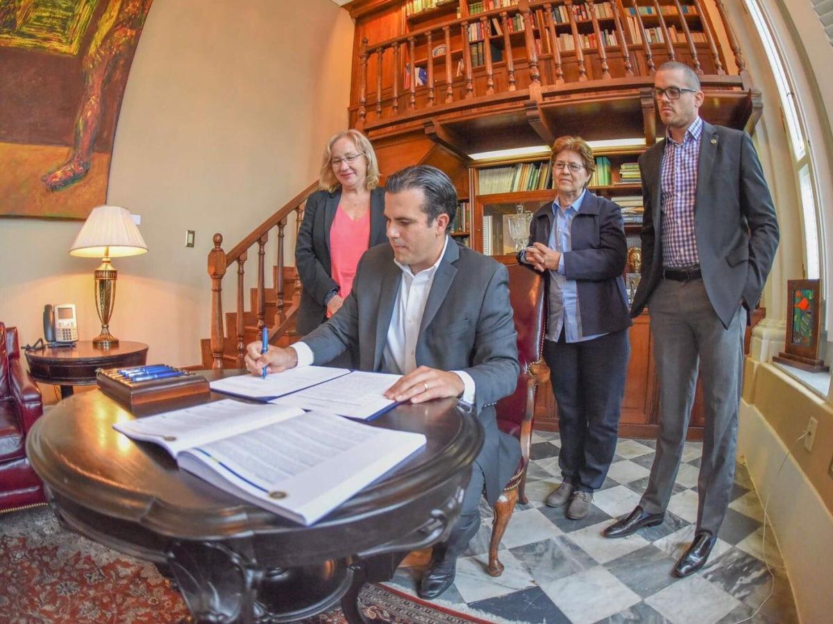 Gobernador Rosselló Nevares firma orden ejecutiva para crear Consejo Asesor en asuntos LGBTT