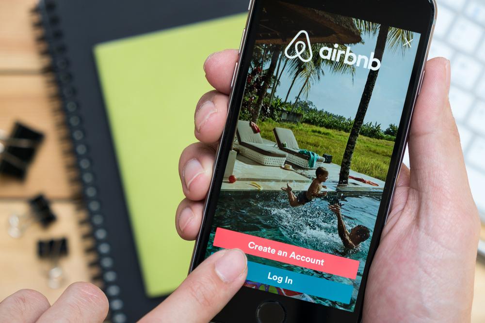 """Airbnb, Homeaway y otras plataformas digitales recaudarán el conocido """"Room Tax"""""""