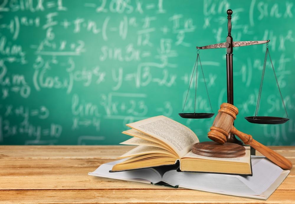 Firman leyes dirigidas a la educación pública de Puerto Rico