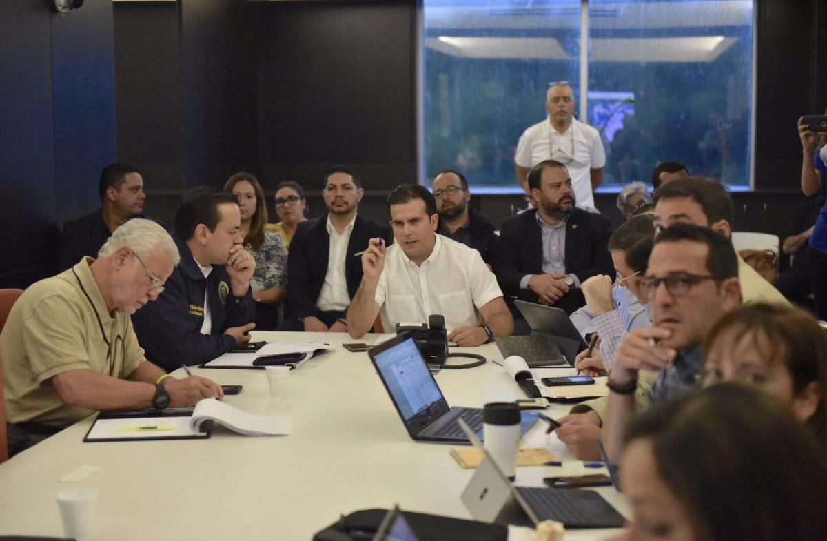 Gobernador urge desalojar áreas inundables ante la vigilancia del huracán María