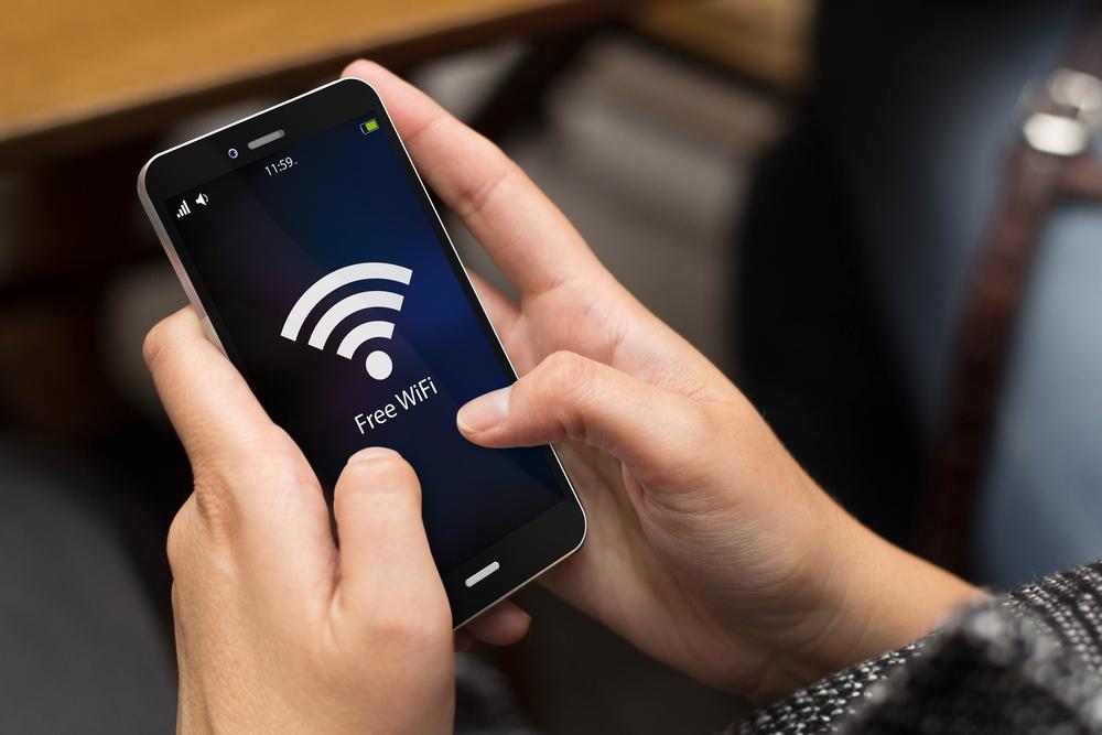 El Gobierno y Liberty anuncian alianza para llevar wifi gratis a diversos municipios de Puerto Rico