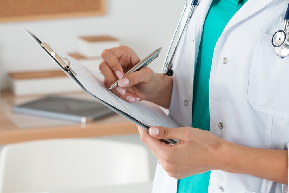 Anuncian ayuda para personas sin plan médico