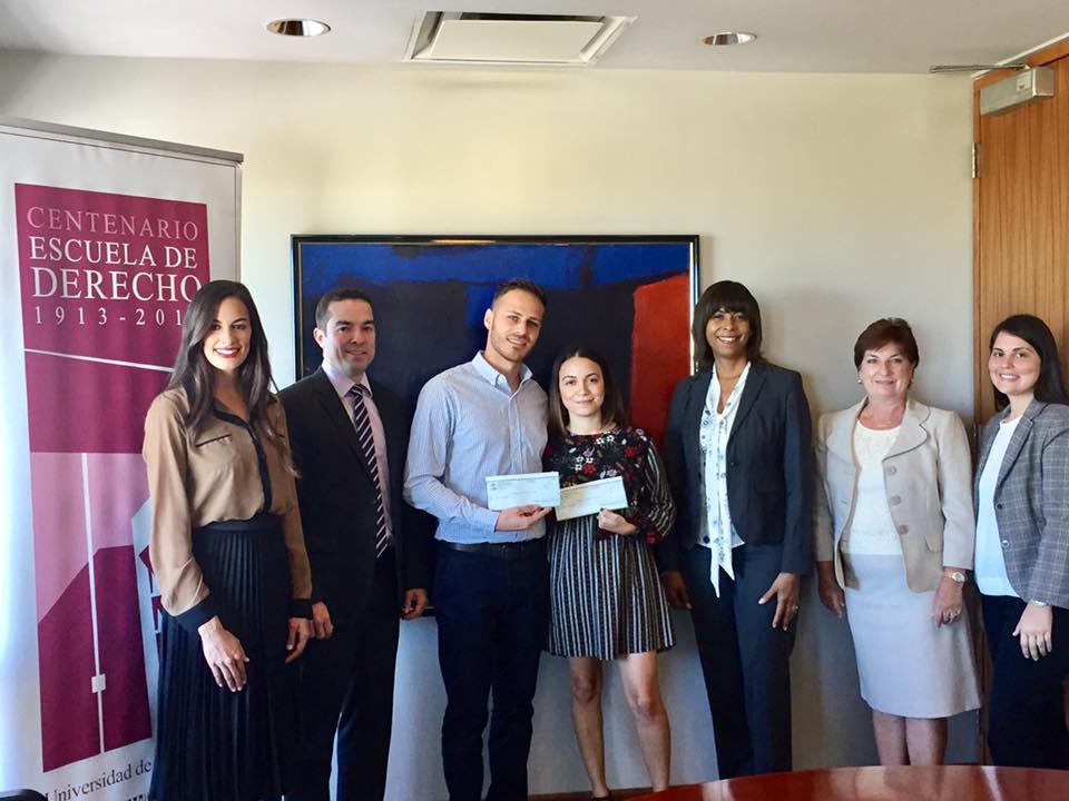Estudiantes de Derecho UPR reciben beca del bufete Jackson Lewis 2017-2018