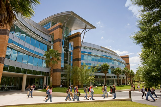 Universidad de Florida Central extiende la tarifa estatal para la matrícula de estudiantes de Puerto Rico