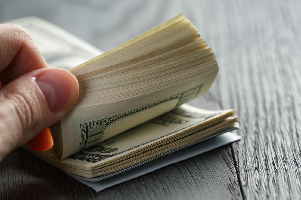 Firman ley para que municipios puedan amortizar sus deudas en los libros por un período de 45 años