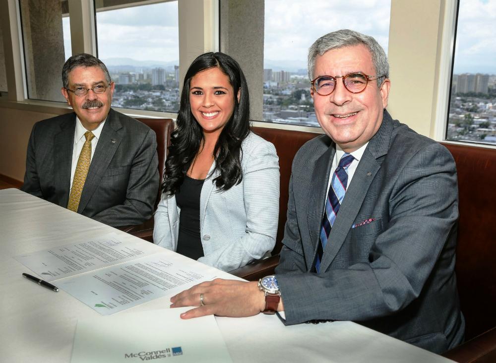 Bufete McConnell Valdés entrega segunda Beca Antonio Escudero Viera a estudiante de Derecho UPR