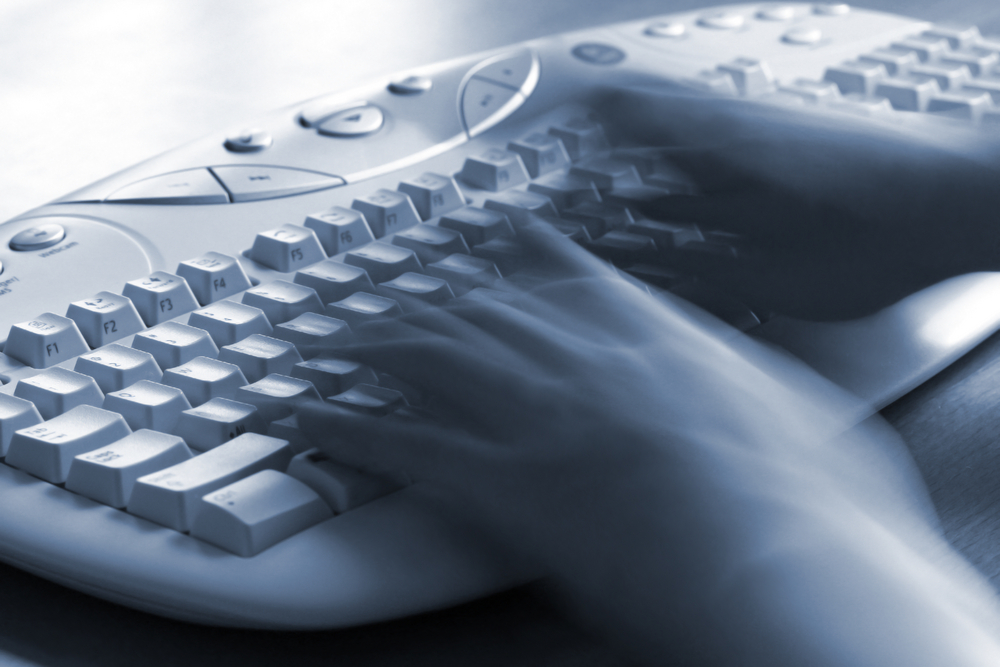 ¿Es ética la práctica de escribir mociones a clientes sin asumir su representación legal?