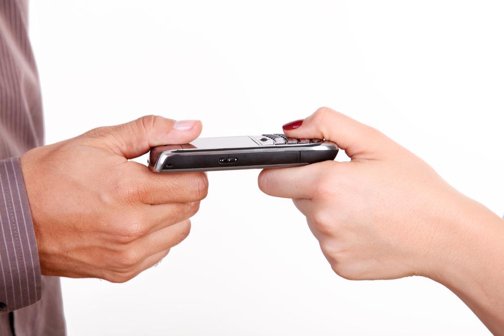Supremo: Esposa puede consentir a registro y allanamiento de celular de su esposo, si se cumplen los siguientes requisitos