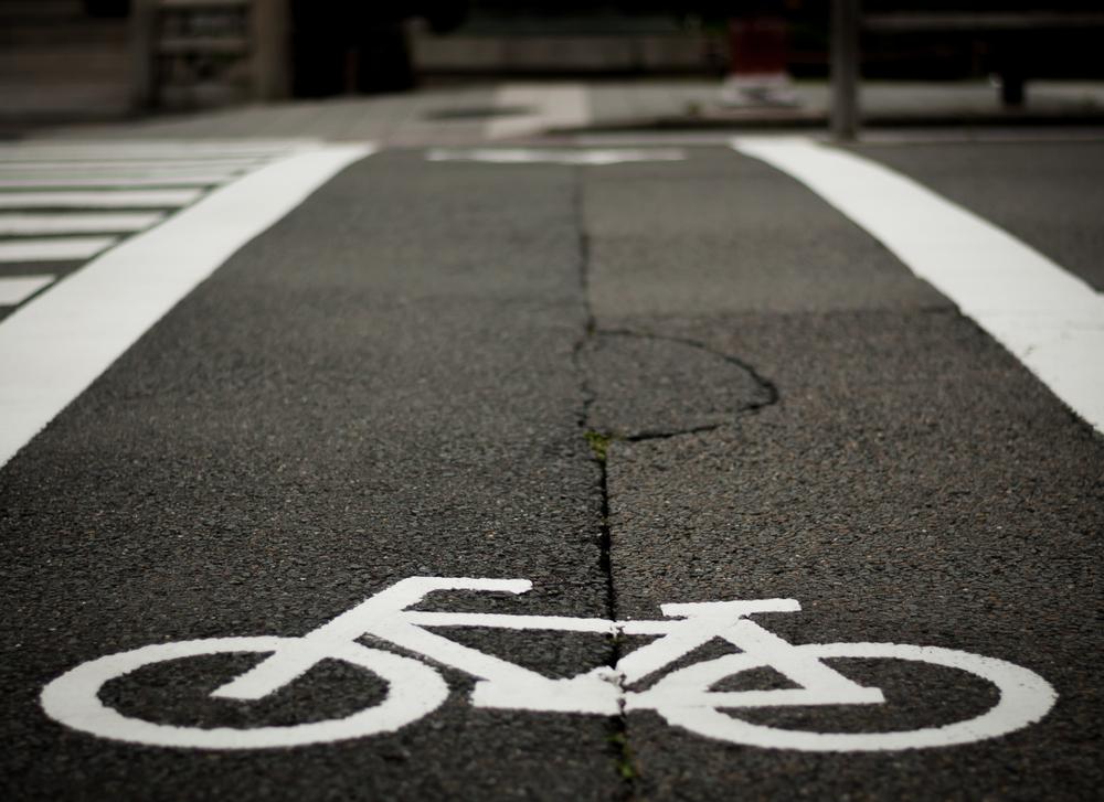 Aprueban crear programa de carriles independientes para ciclistas