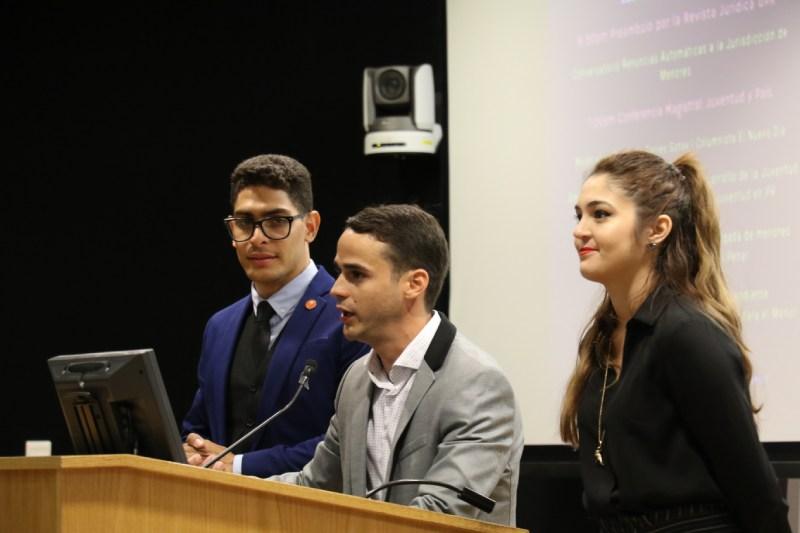 Juventud y país: Primera Conferencia Magistral Microjuris.com