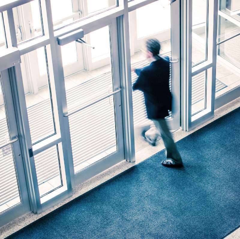 ¿Por qué muchos abogados dejan la práctica tradicional de la abogacía?