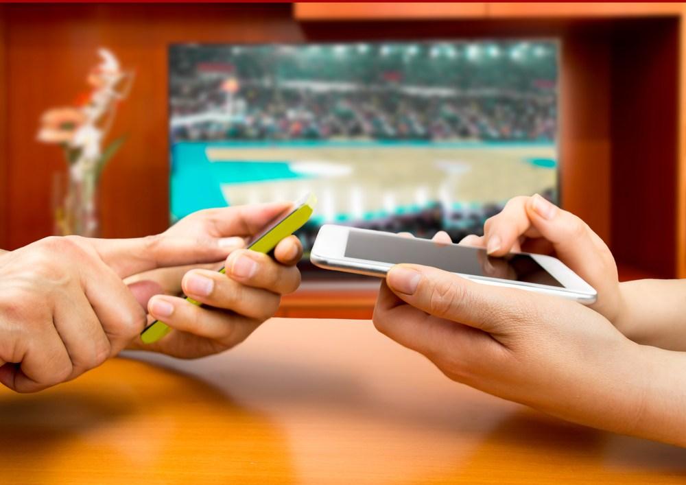 Gobernador anuncia legislación para autorizar apuestas en deportes y juegos electrónicos