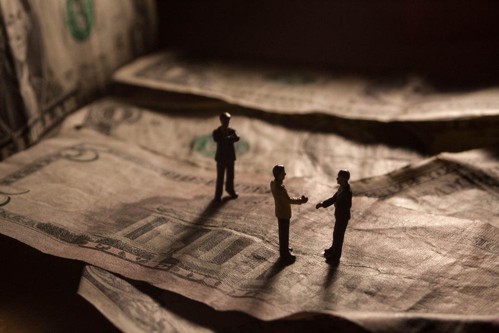 Presentan medida para que funcionario que obtenga beneficio económico de forma ilegal sea responsable en su carácter personal