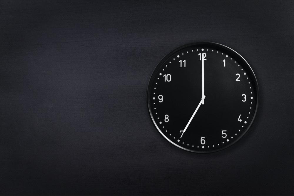 toque de queda 7pm