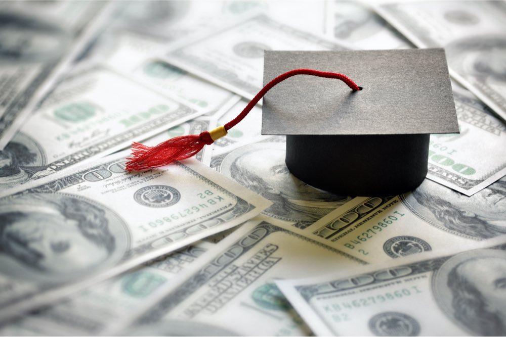 dinero educación